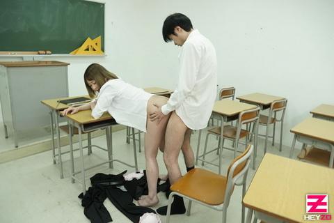 朝比奈菜々子 【あさひなななこ】 身重な女教師はヤリたくて仕方がない!