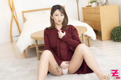 玲奈 【れな】 ドMな女のユルい股~旦那には冷たいビッチな人妻~
