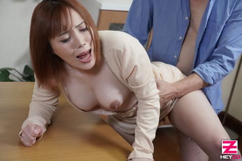 櫻木梨乃 【さくらぎりの】 近所で噂の巨乳人妻は精飲がお好き!?