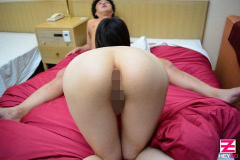 岡野瞳 【おかのひとみ】 素人熟女にザーメンこってり注入しちゃいました!